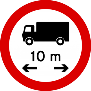 No entry for vehicles longer than 10 metres